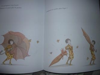 Clemence et le grand parapluie 1 - Seuil - Les lectures de Liyah
