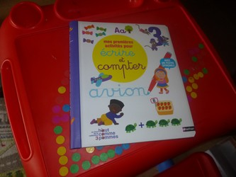 Premières activités pour ecrire et compter - Nathan - Les lectures de Liyah