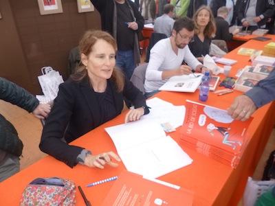 Soledad Bravi - Livre sur la place Nancy 2013