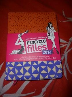 l encyclo des filles 2014 sonia feertchak et catel muller livre enfant manga. Black Bedroom Furniture Sets. Home Design Ideas