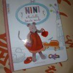 Nini s'habille toute seule - Larousse - Les lectures de Liyah