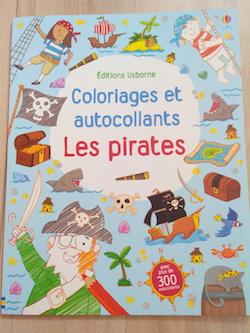 Livres d'activités Coloriages et autocollants Pirates - Usborne - Les lectures de Liyah