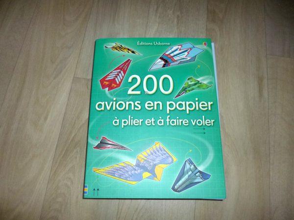 Livre de jeux pour enfants  200 avions en papier