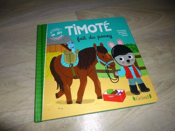 Timoté fait du poney